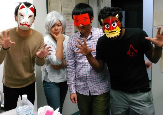 左から、モテモテのJINくん、キメキメの池田さん、ゆるカワの安田くん、超人Gintoくん、
