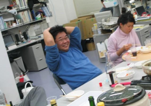 ごきげんな森先生:普段は研究室のトップとして、指導者として、キリッとした顔をされている森先生ですが、飲み会ではこんなにカワイイ笑顔が見られます。